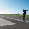 T-shirt Mann Tempelhofer Park, Bambus-Aubergine- Modell Skater jump 1